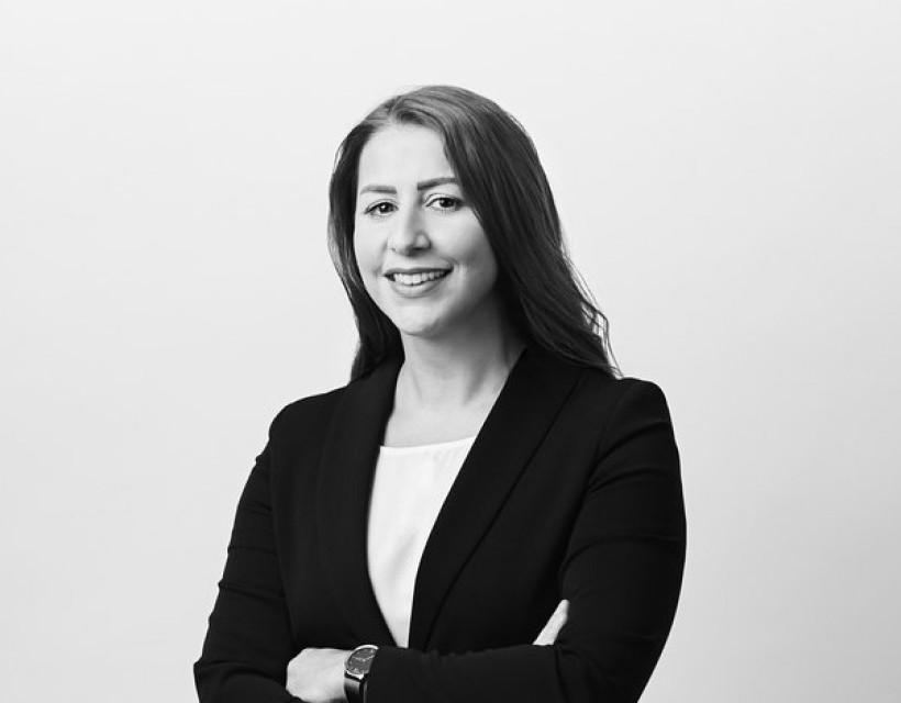 Frau Alev Ergenc - Berliner Sparkasse Immobilien